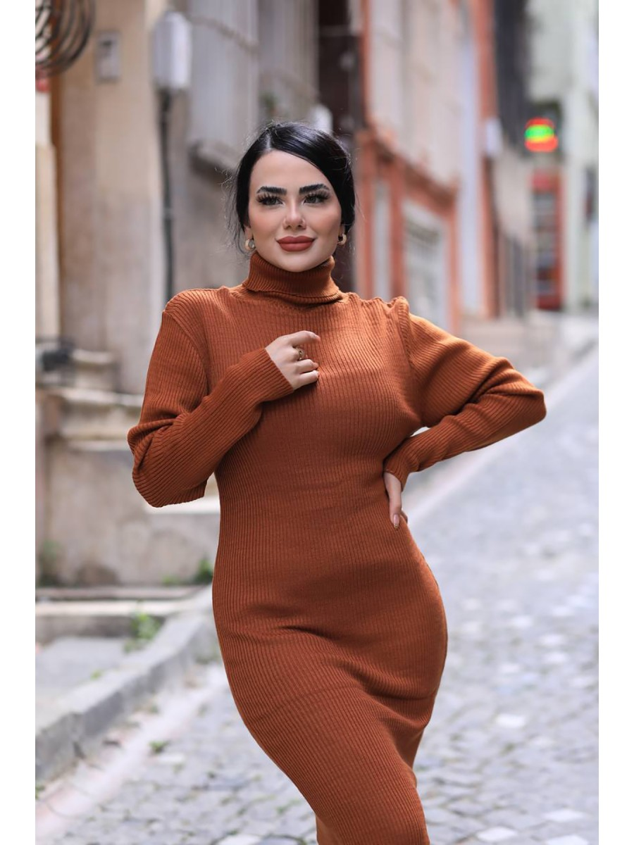 Boğazlı Triko Uzun Elbise