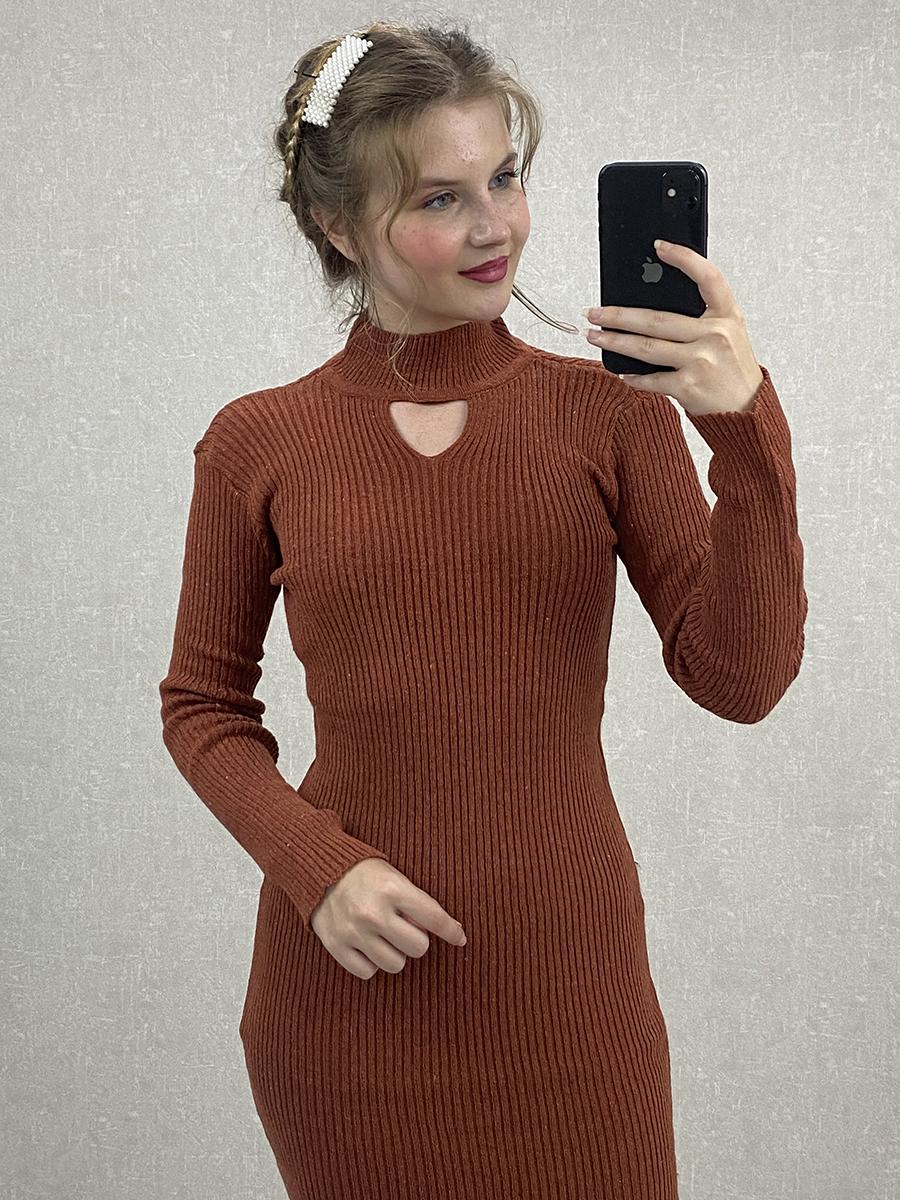 Boyun Detaylı Kiremit Midi Triko Elbise