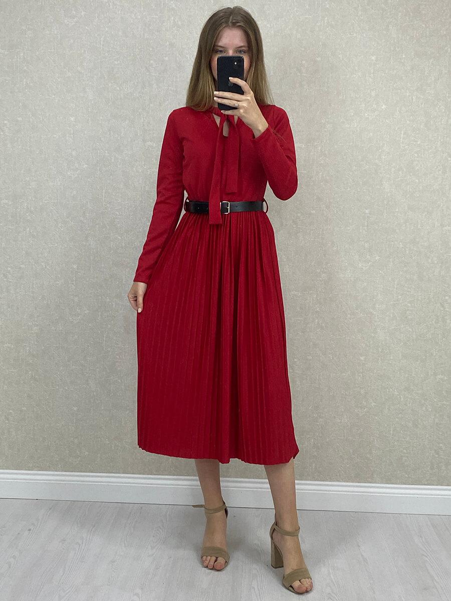 Fularlı Kemerli Kırmızı Pilise Midi Elbise