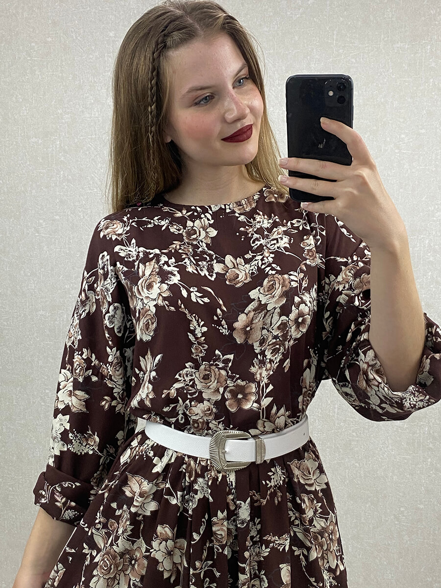 Güllü Yarasa Kol Kemerli Kahverengi Midi Elbise