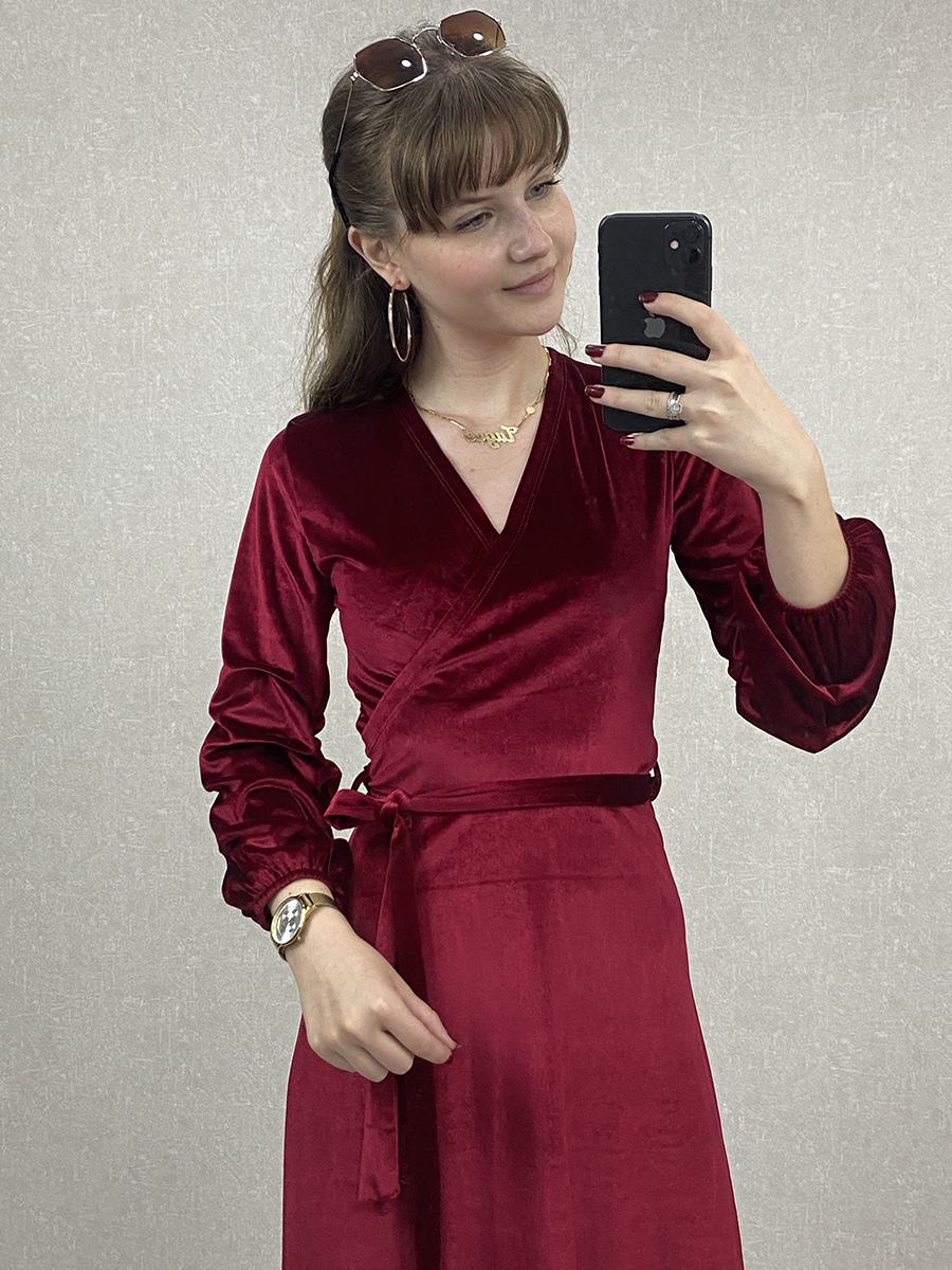 Kolu Lastikli Kruvaze Kırmızı Kadife Midi Elbise