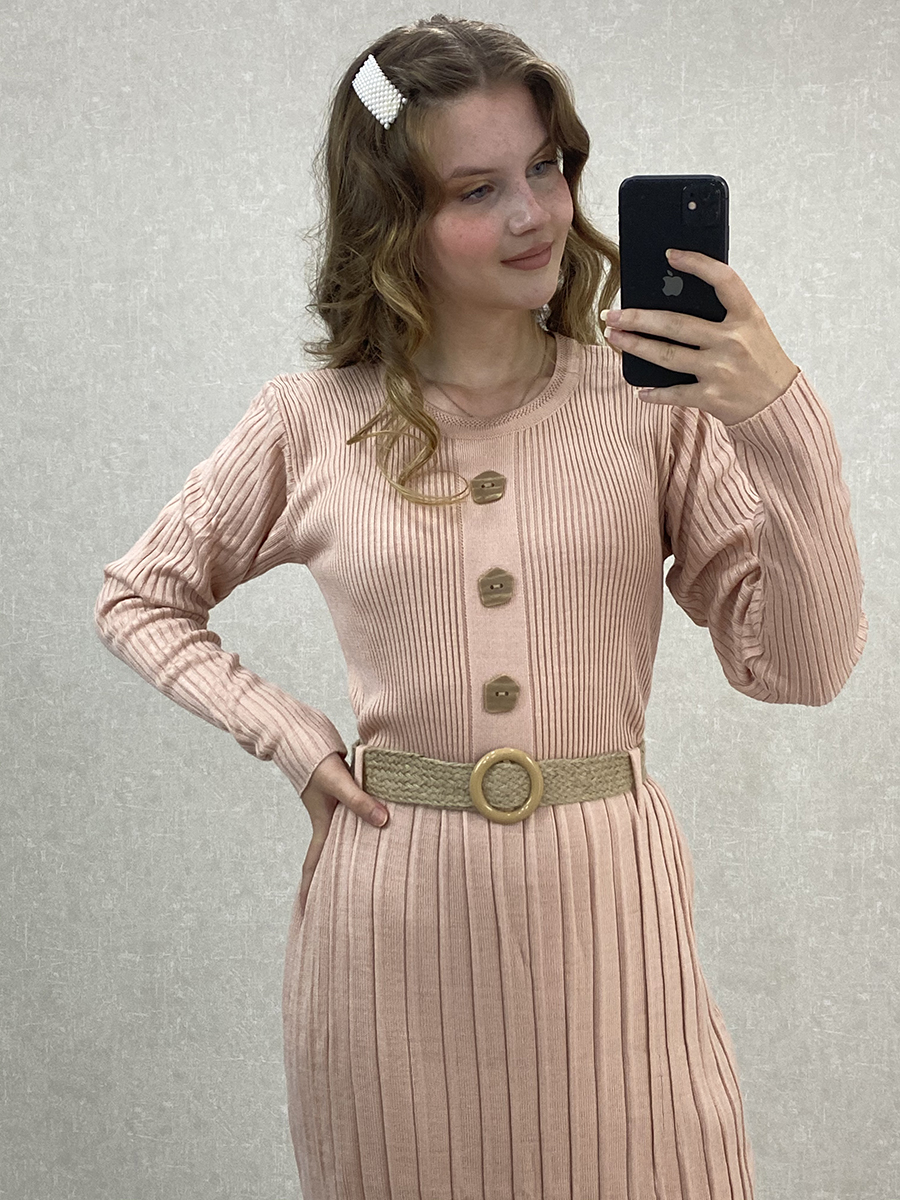Önü Düğmeli Piliseli Uzun Pudra Triko Elbise