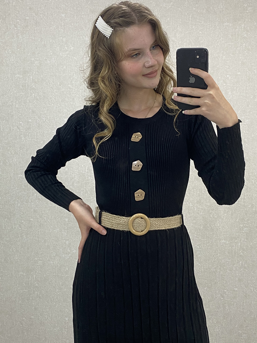 Önü Düğmeli Piliseli Siyah Triko Uzun Elbise