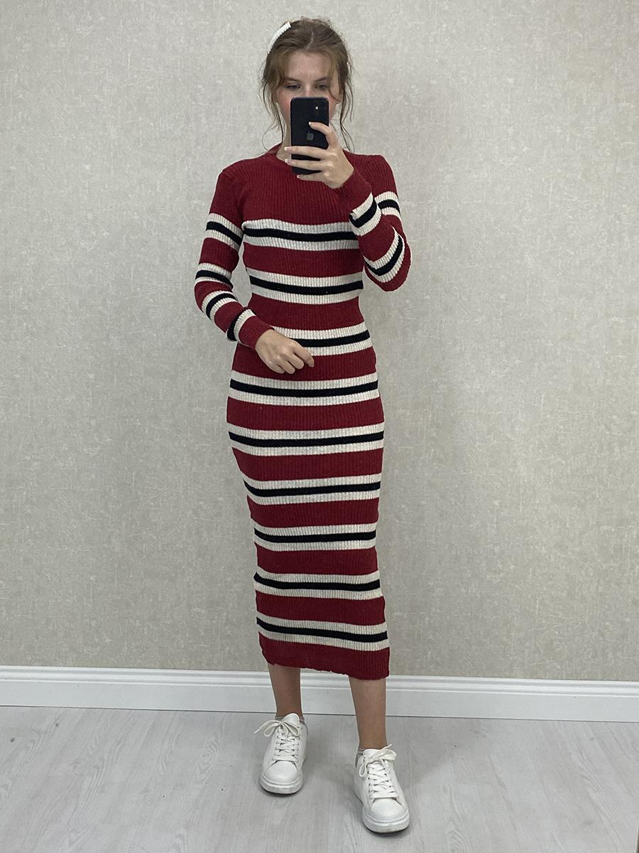 Siyah Beyaz Çizgili Kırmızı Midi Triko Elbise